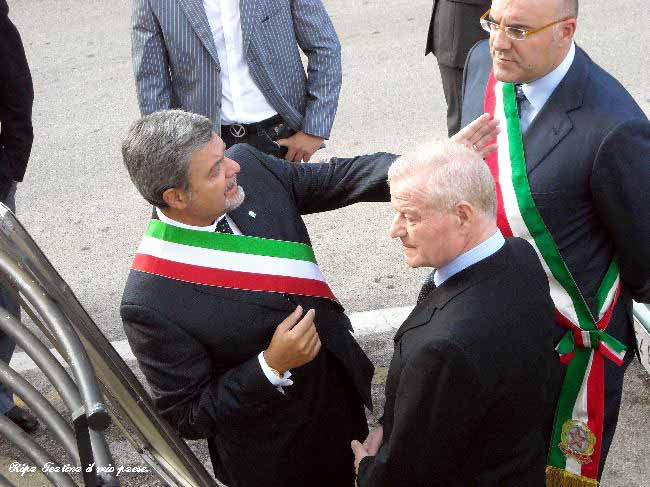 Il nostro Sindaco Dr. Petrucci con il Prefetto di Chieti Dr. Vincenzo Greco ed il Sindaco di Chieti Umberto Di Primio, nostro concittadino