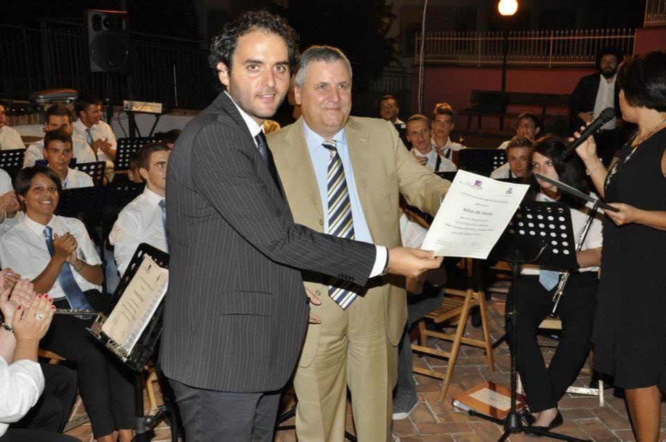 """Il M°  Silvio Di Paolo Presidente dell'Associazione Culturale Musicale """"C. Monteverdi"""" di Ripa Teatina ed il M° Creux"""